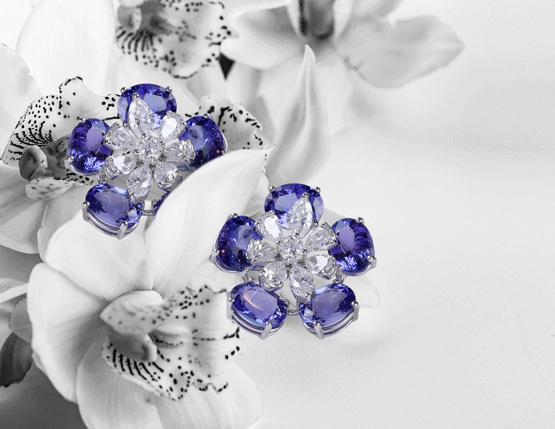 floral motifs- Chosen By Tejpal Ranka