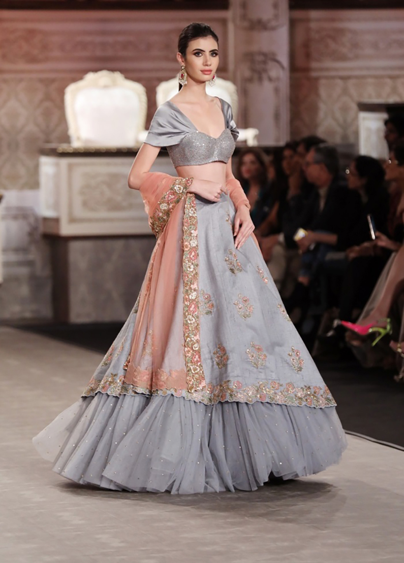 Collection-by-Designer-Shyamal-Bhumika-@-FDCI-India-Couture-Week-