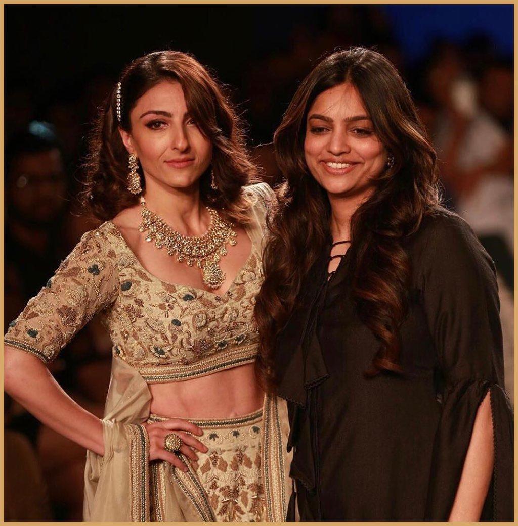 Soha Ali Khan with Designer Kavita Agrawal at LFW2019