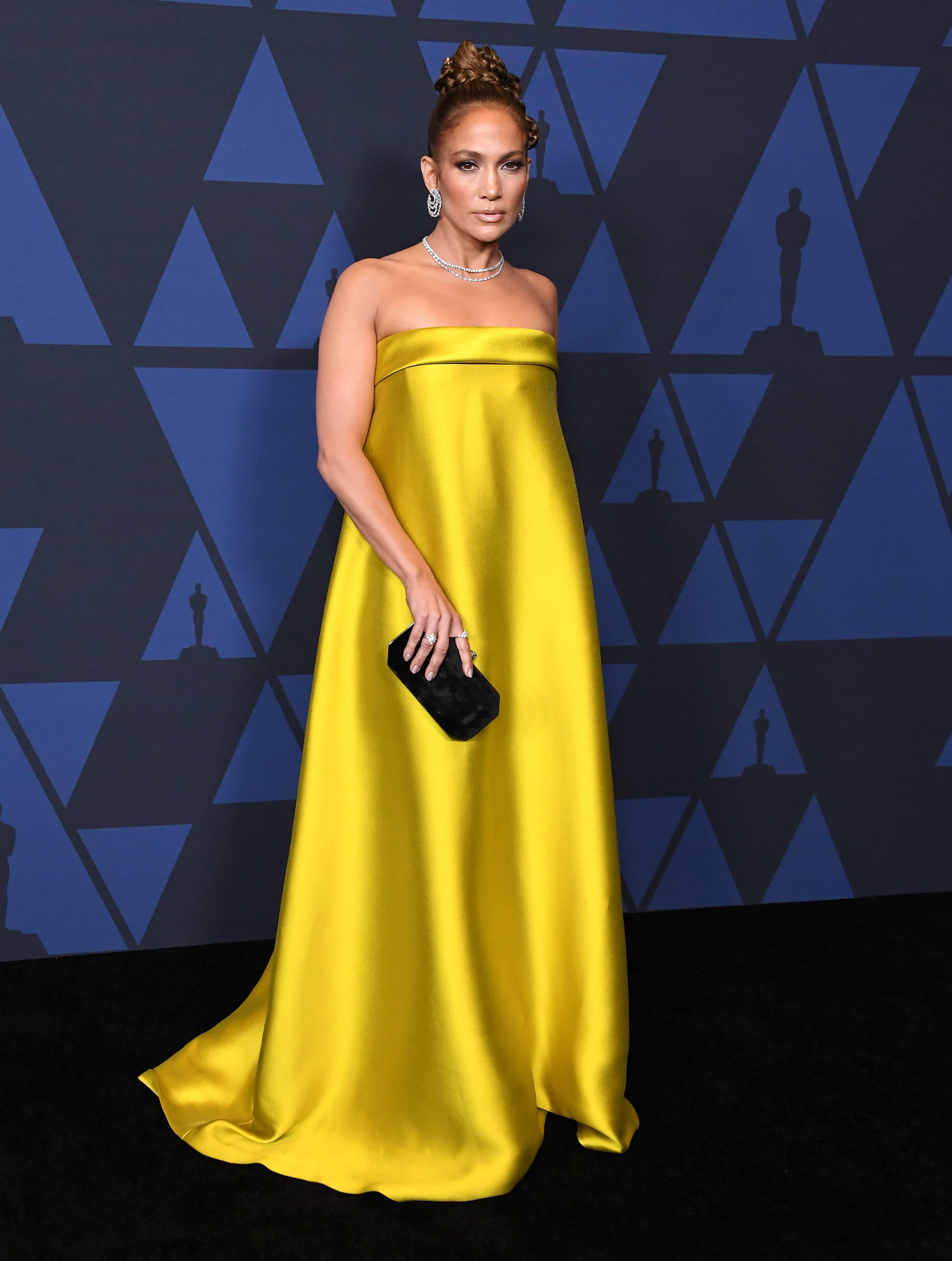 J-Lo Dazzles at the Awards' Red Carpet Wearing Diamonds Set in Precious Platinum