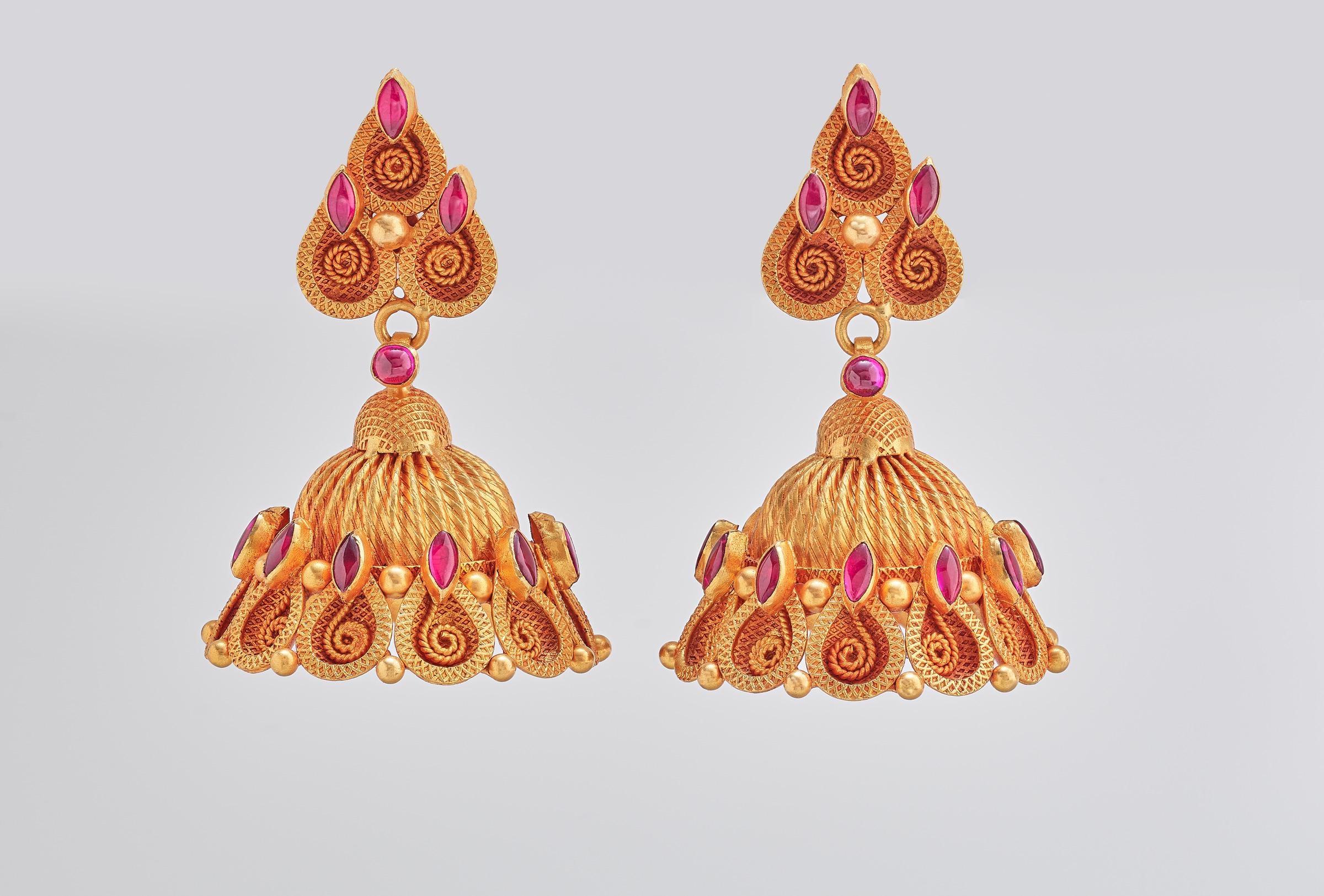 gold earrings(2)