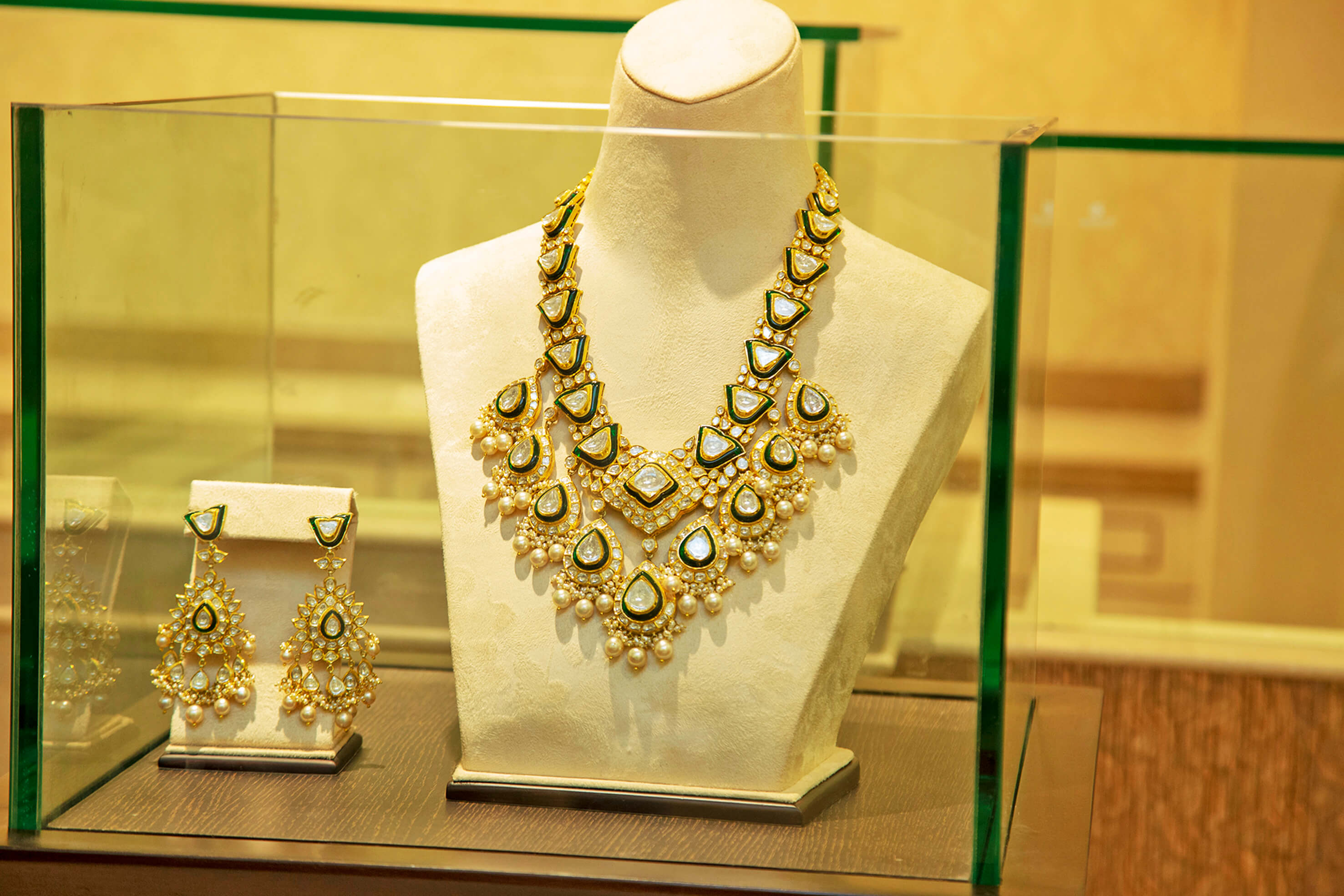 gold jewellery collections from RC Bafna Store